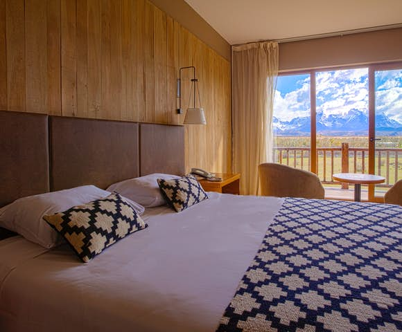 Hotel Rio Serrano room