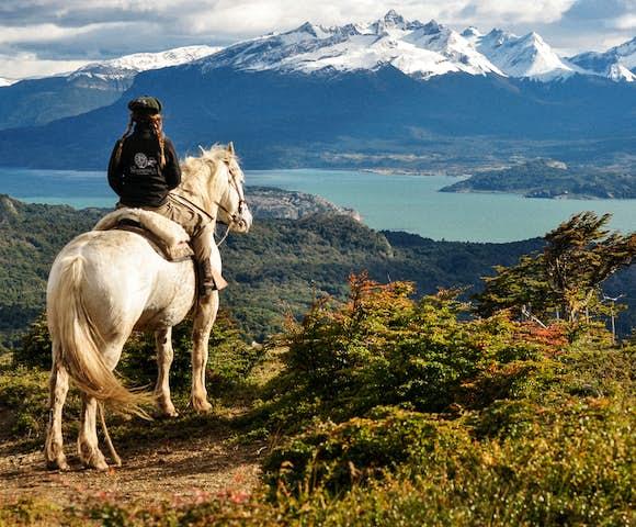 Horse riding at estancia la peninsula