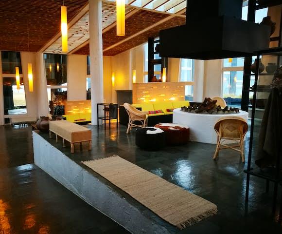 Remota Lounge