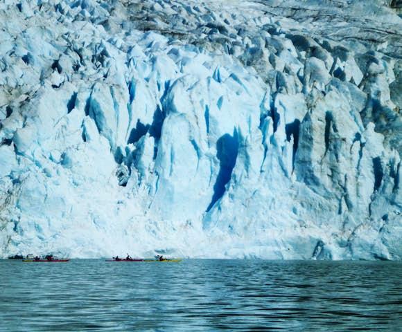 Kayak serrano glacier