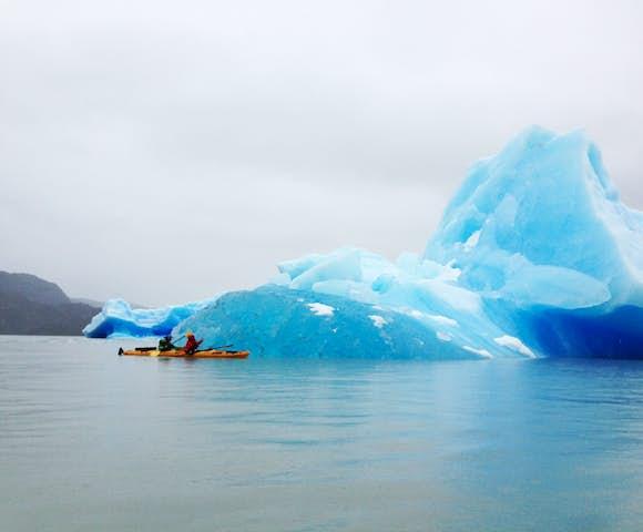 Kayak tempano lago grey