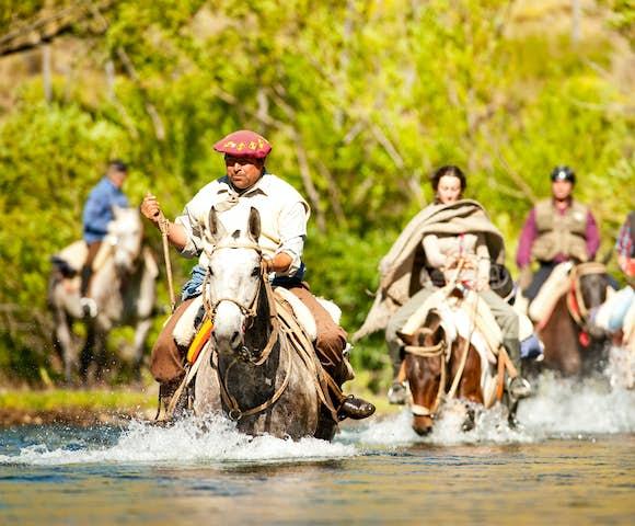 Huechahue horse river