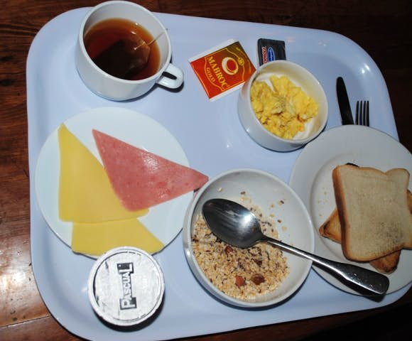 Refugio breakfast