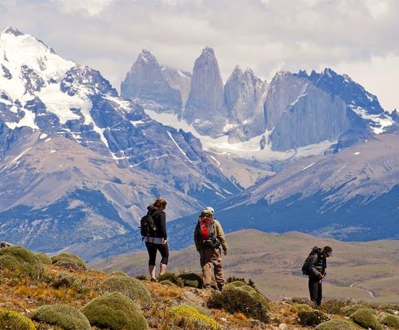 Tierra hiking