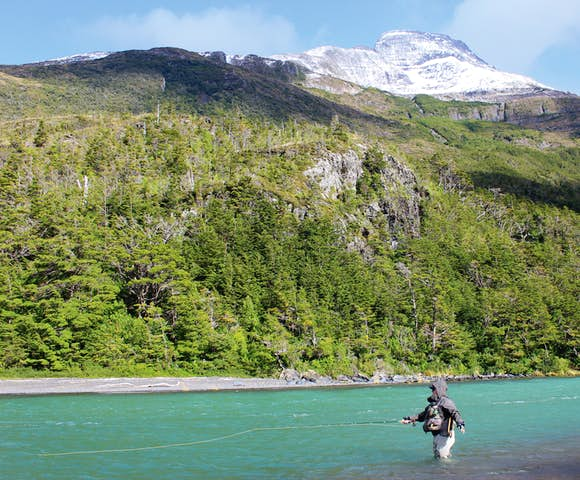 Fly fishing Hotel del Paine